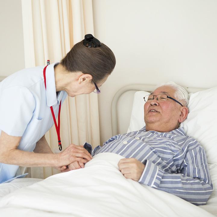 患者は「骨折で入院している男性高齢者」